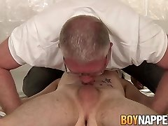 Twunk sub Dylan Ducati bound for anal play and waxing