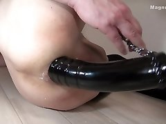Magnum-08-d  The hole after 60mm sex toy insert