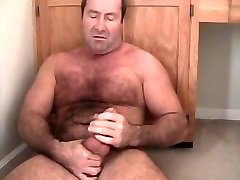 Carolina Jim musclebear daddy jackoff hairy chest bear