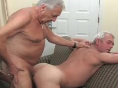 El abuelo de mierda mayores