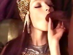 Classics cleopatra the dark-hued marionettes