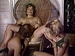 Chubby mom gets her pussy fisted by pals