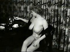 Sugary-sweet Smokin MILF from 1950's