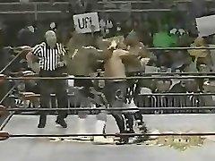 Chick Bodybuilder Wrestling