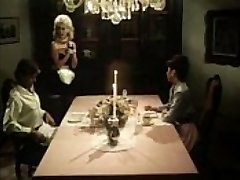 Antique maid blows cocks under the table