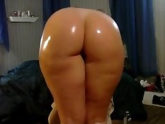 My Sexy pawg arse shaking