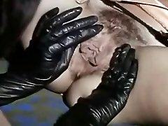 Vintage Lezbijke Lizanje Seksi Črni Škornji In Sočno Pizde