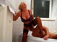 Lady Barbara Golden Shower