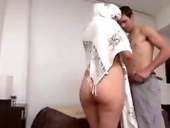 Hot Arab Milf Humungous Backside fucked hard by Euro guy