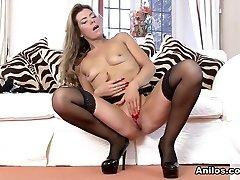 Vanessa Jordan in Super-sexy Mature - Anilos