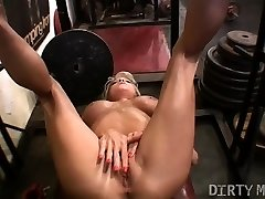 Female Muscle Milf Works Her Clit in the Gym