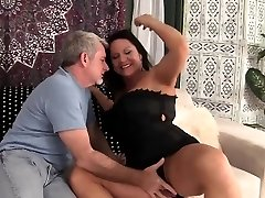 Hot grannie gets her pussy penetrated