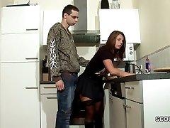 ステップ-男を誘惑MILFママ弄との兼上のストッキング