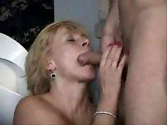 Hot mature in wc 3
