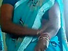 hot matured aunty thighs massage self n demonstrating her panty