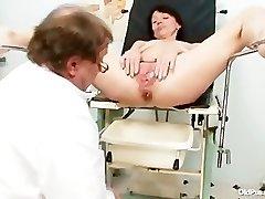 Skinny cougar weird pussy fingering by gyno doc