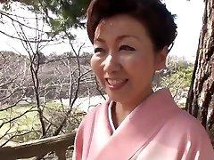 39 year elderly Yayoi Iida Swallows 2 Loads (Uncensored)