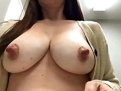 mommas nipples are amazing