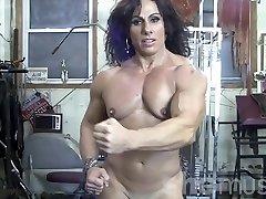 Annie Rivieccio Bare Chick Bodybuilder in the Gym