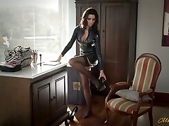 Sexy mom in latex Ania Kinski gets smashed properly