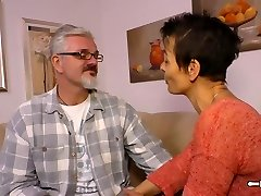 Hausfrau Ficken - Housewife mature German is banged hard