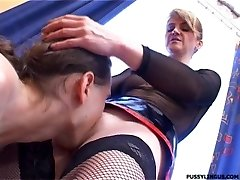 Uber-cute oral for a blonde mature woman by young man