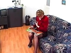 Granny in Glasses and Stocking Loves a Fuck