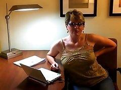 Huge popshot on her glasses