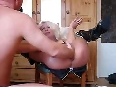 Mature Extreme knuckle & squirt