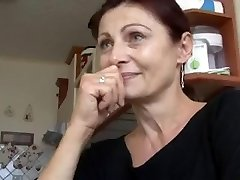 Super-sexy MATURE HAS SEX FOR MONEY!