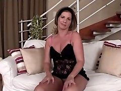 Mature With Fat Pussy