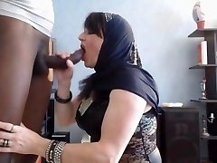 arab honey do blowjob