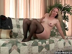 Mother's pantyhosed pussy gets her all sizzling and horny