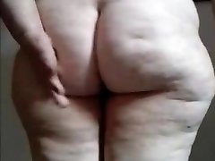 Fat Brazilian Granny demonstrate your ass and pussy
