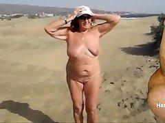 CHARMING Girls ON THE BEACH