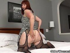 BBW milf Scarlett's hard nips need attention