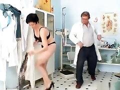 Barbora訪問Gyno医師へ得成熟した滑りチェック