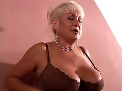 Hot Cougar gets cock