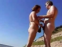 Make-out on the beach (amateurs)