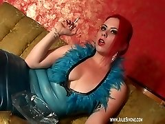 deanna-smoking-blue-latex