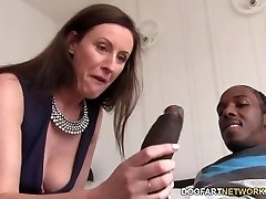 Lara Latex Quenches Her Thirst For Black Meatpipe