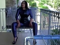 Italy Flat Sexy Latex Gal - Blowjob Handjob with Latex Gloves - Cum in my Hatch