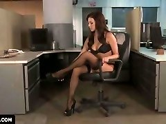 Breanne Benson flashes you how to get Smashed in the office.
