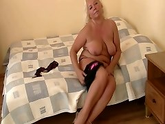Nicely chubby woman solo