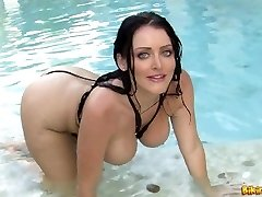 Sophie Dee bikini riot