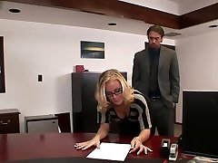 Nicole humps in office