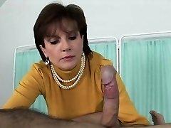 Unfaithful uk milf girl sonia reveals her huge titties