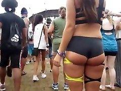 spyng monstrous bubble butt teen  in mini cutoffs spandex