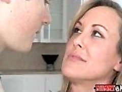 Teen Madison Chandler and huge-chested MILF Brandi Love 3some