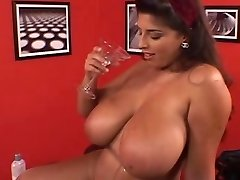 Magnificent British BBW Fingers Her Fat Hot Wooly Pussy